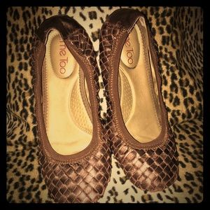 Bronze woven leather flats